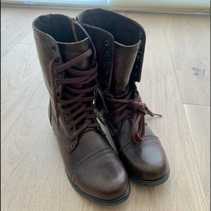 Steve Madden Troopa Boots - 7 US